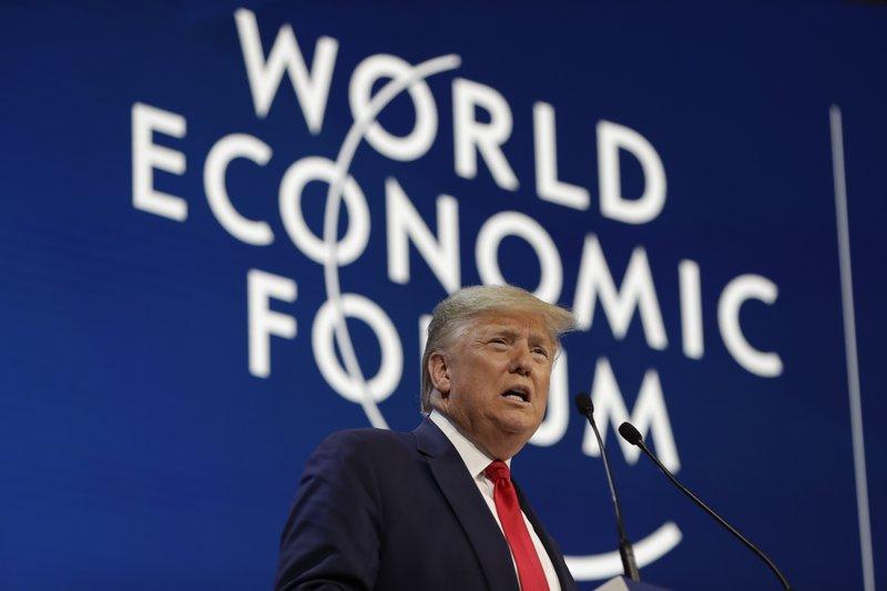 El presidente de Estados Unidos, Donald Trump, ofrece un discurso en el Foto Económico Mundial, el 21 de enero de 2020, en Davos, Suiza. (AP Foto/ Evan Vucci)